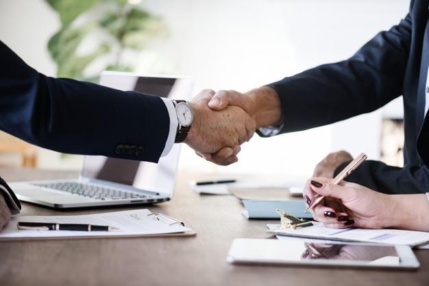 Chọn tuổi hợp tác kinh doanh làm ăn buôn bán